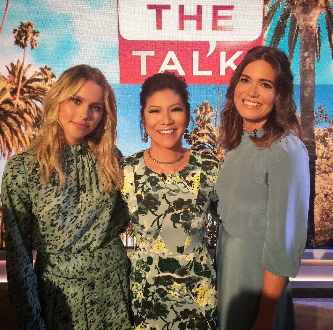 The stars of #ThisIsUs & #TheOriginals @TheMandyMoore & @clair...
