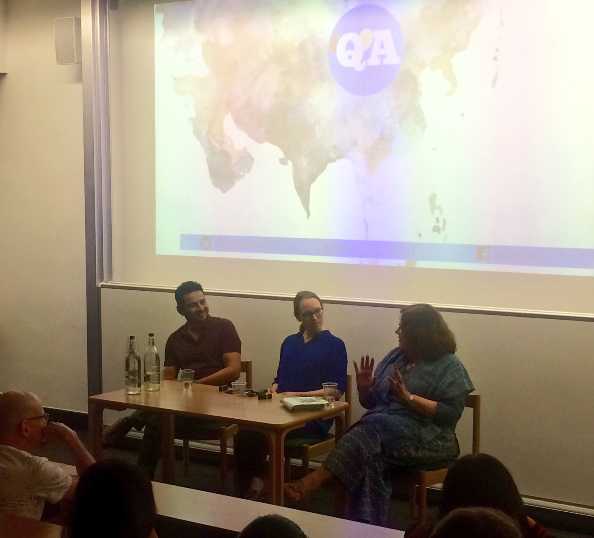 @RachelMJDwyer Apurva Asrani @queerasia2017 in @UCLIndiaVoices discussing the powerful film #Aligarh! #qaff #qa17 https://t.co/NhKX3oYQQs