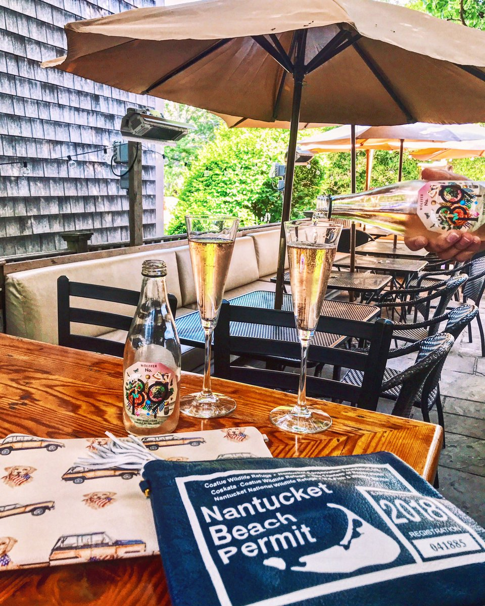 Nantucket Blackbook On Twitter Tree Bar One Of Our Most Favorite Places For Outside Drinks Where We Sip Ack Https T Co Dufghzrwo9