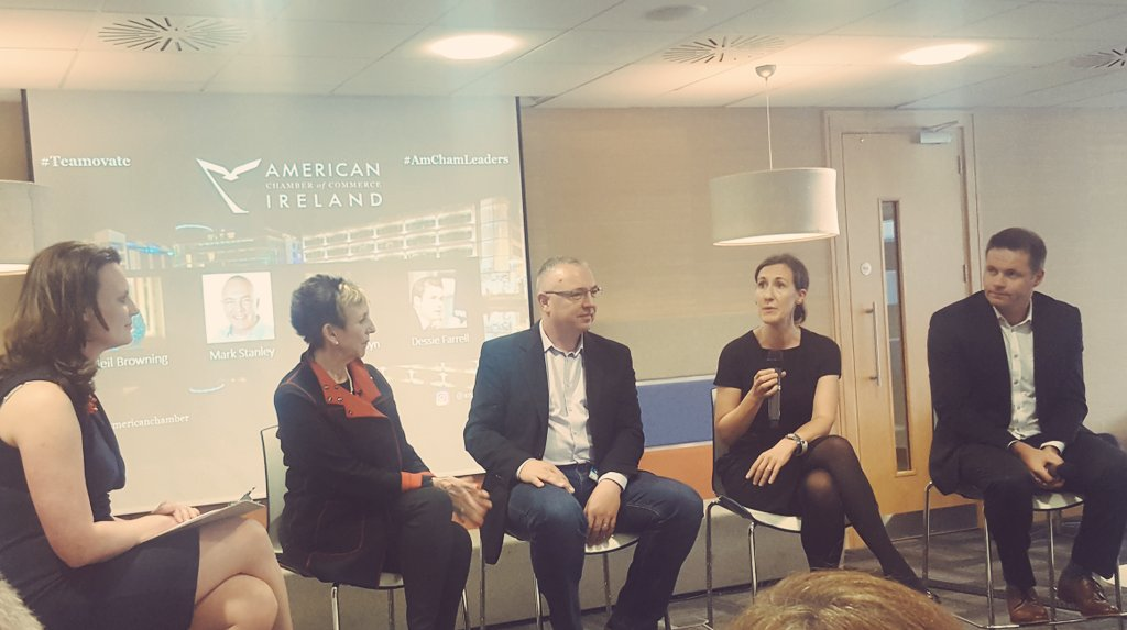 Build 1:1 relationships &amp; establish trust within your team! Great insights from @AmericanChamber #AmChamLeaders event #Teamovate <br>http://pic.twitter.com/2ZdYYC3mZf