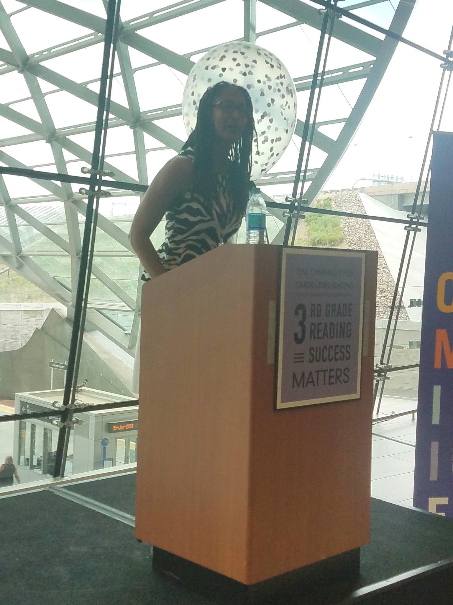 Angela Romans of @BrownUniversity kicks off the Communications Expo at #GLRWeek! https://t.co/vbogZzbVC6