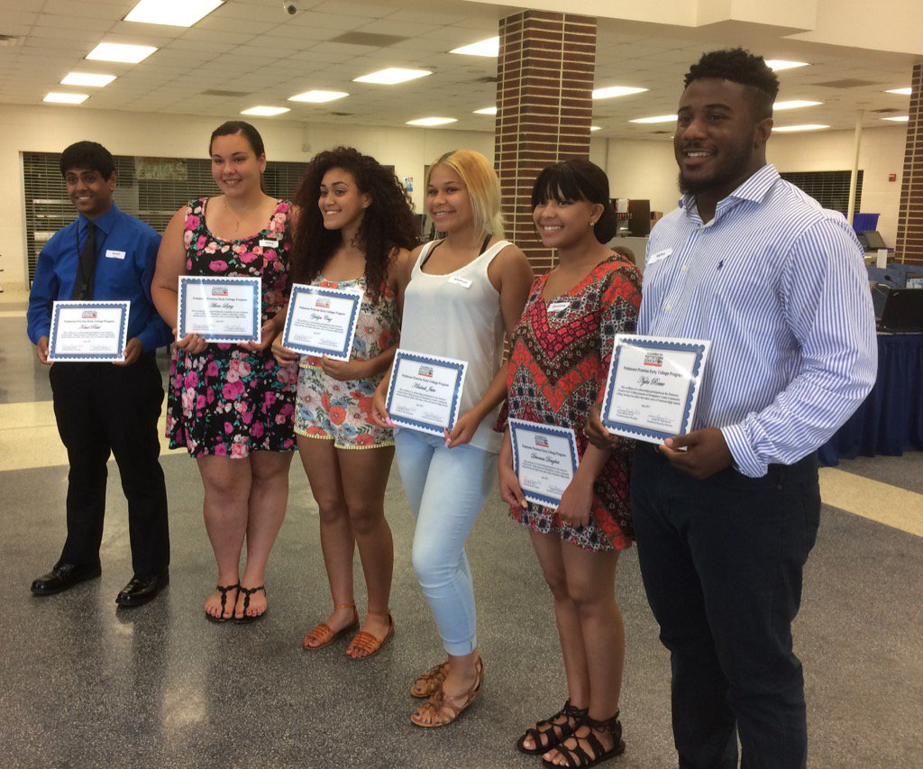 Six of the 11 @PottstownHigh students who successfully completed Early College program, receive their certificates. https://t.co/JiHIdbyoXp