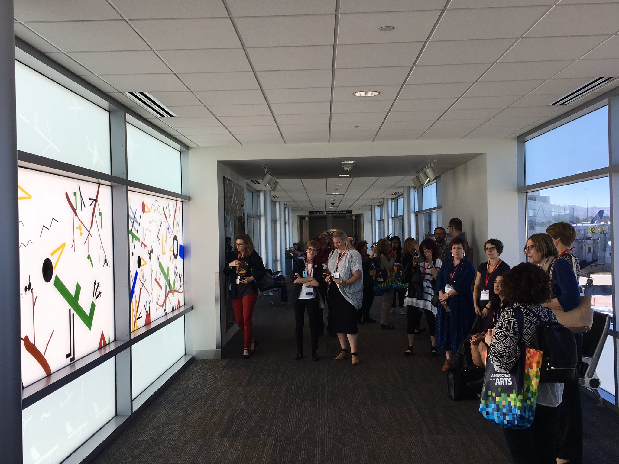 Helping @SFAC kick off  @Americans4Arts #AFTACON with a tour of public art in the terminals! https://t.co/MAAde743nX