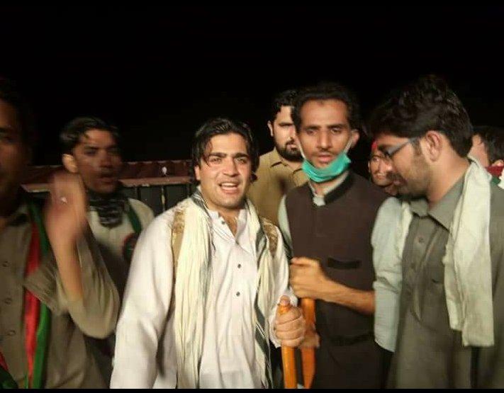 Me with #kpk isf president #kpk  gs and #district  peshawar  president let night in #burhan interchange<br>http://pic.twitter.com/EHv4aQaTbA