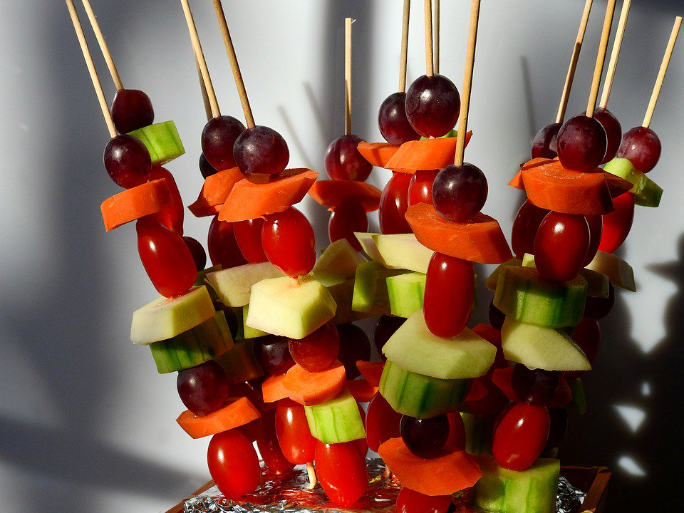 #Fruit kebabs are a fun, tasty, and simple after-school snack for #children with plenty of health benefits! <br>http://pic.twitter.com/TBU0IxUGpb