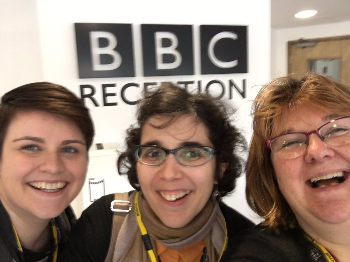 Chatting @SoapboxHull to @Piekos, @RadioHumberside with amazing scientists @BarbaraGuinn1 @craftysci  #scicomm #anatomy<br>http://pic.twitter.com/PgqzzM2GS0
