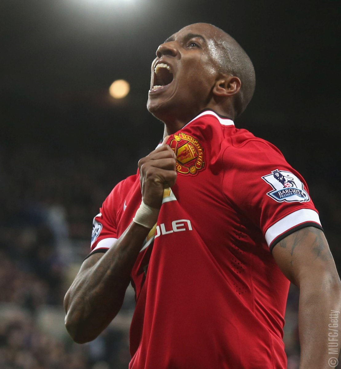 Six years ago today, @Youngy18 signed for #MUFC! 🙌 https://t.co/dSQuTC...