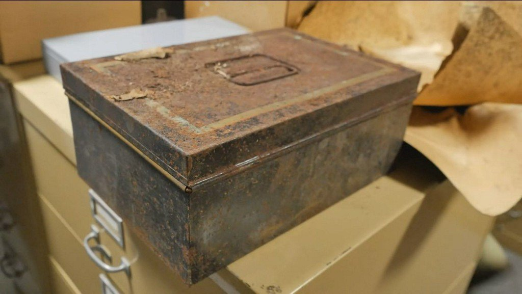 Group asks for return of time capsule found inside 'Johnny Reb' statue https://t.co/6QpHjy6K4t