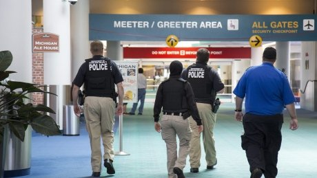 Montreal suspect in Michigan airport stabbing had tried to buy a gun, FBI says https://t.co/80knzLZOwn