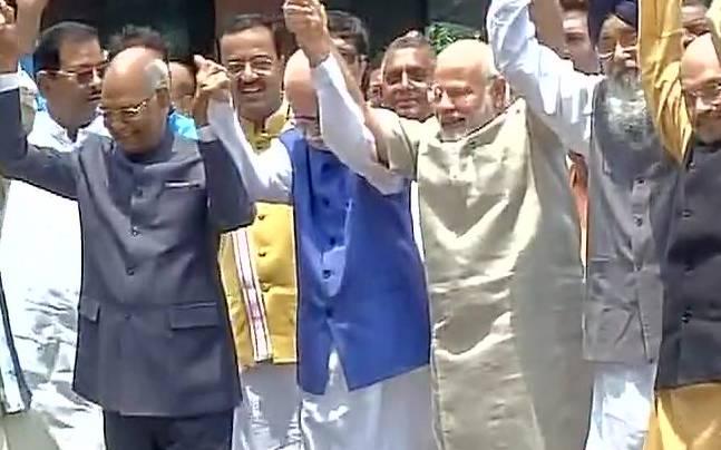 Ram Nath Kovind files nomination for presidential election, PM Narendra Modi leads NDA's show of strength https://t.co/0SCB2BVs7l
