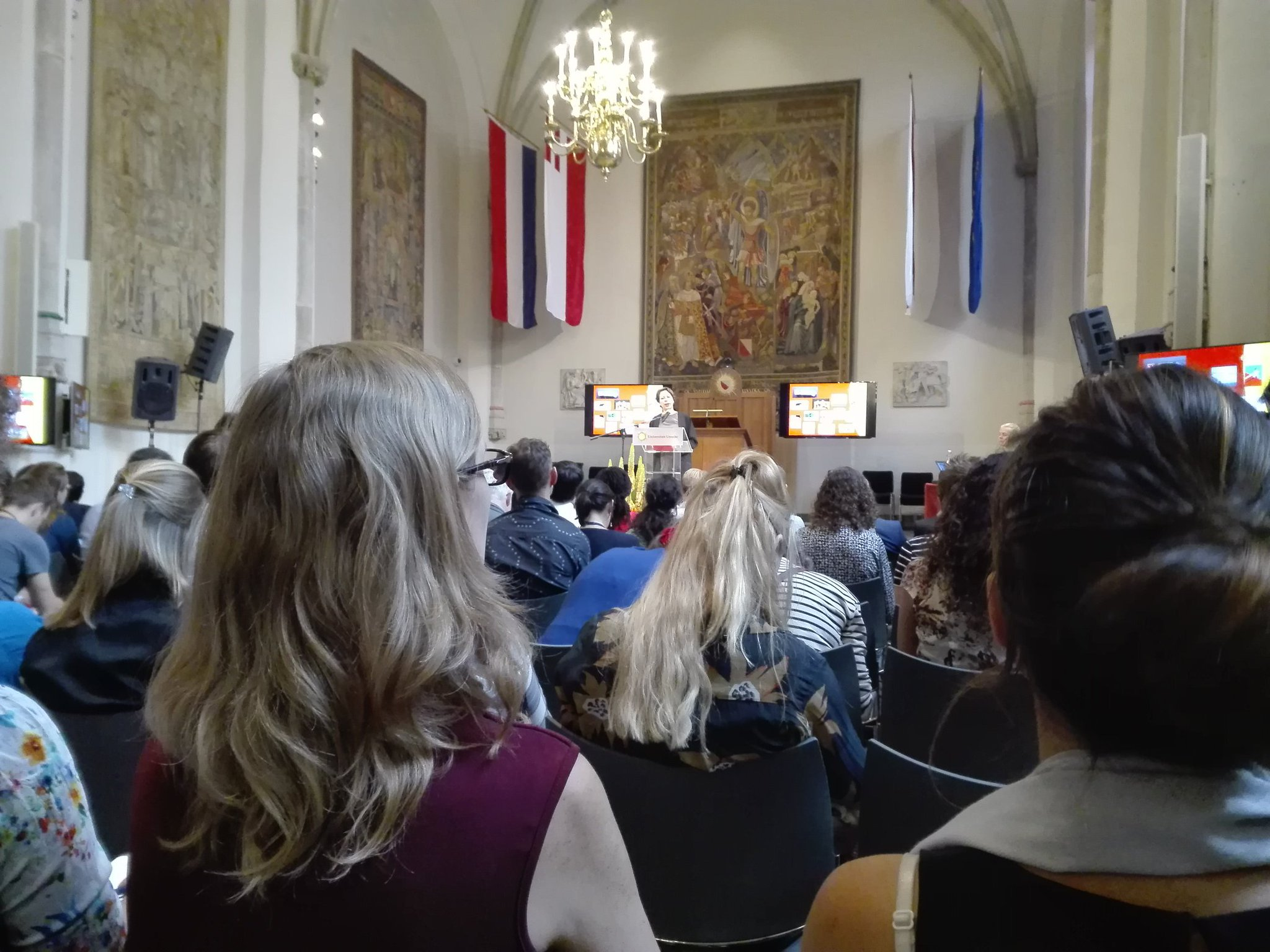 Professor Denise de Ridder opening WINK the nudge conference #NUDGE2017 https://t.co/fbKf1MWNVE