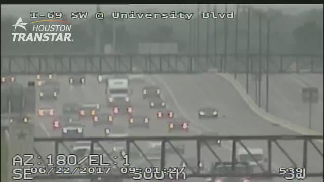 Raw: Police chase suspect on Southwest Freeway near Sugar Land https://t.co/qVqC7nKsLR