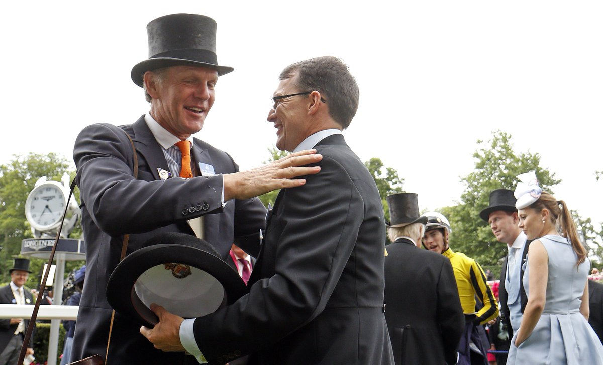 A touching moment...  Even after the tightest of Gold Cup battles, there is always time for gracious sportsmanship 👏  #RoyalAscot