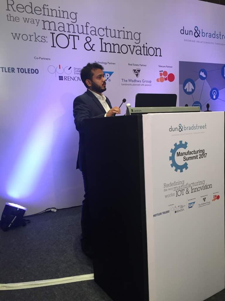 Mr. Abhinav Jalan, Renova Solar sharing his insights on redefining the way mnftng works: #IoT &amp; #innovation <br>http://pic.twitter.com/BnlB86pfbV