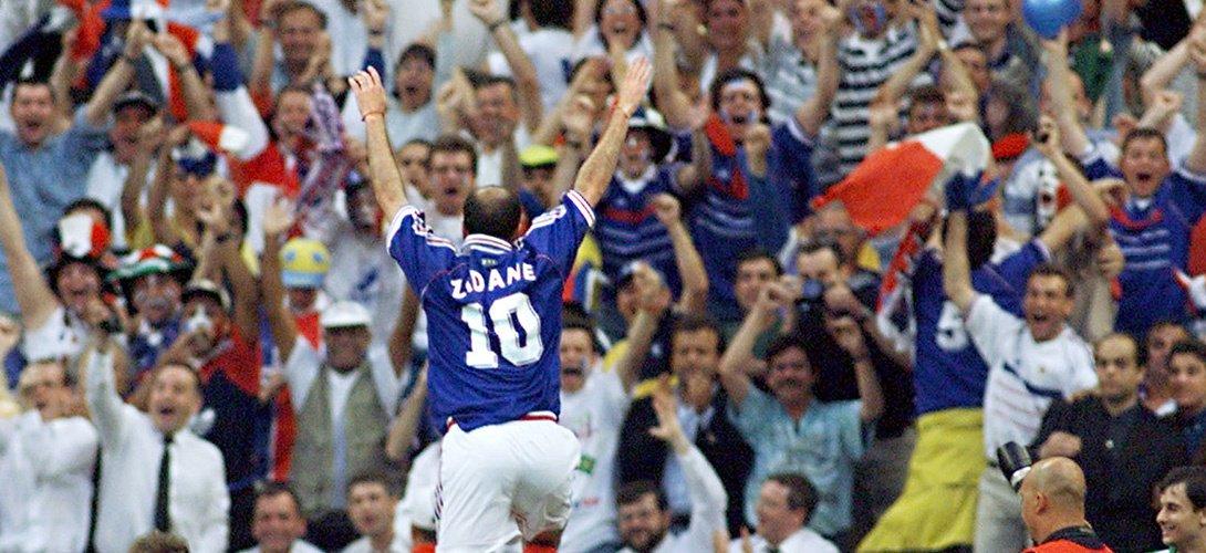 Joyeux anniversaire à Zinedine Zidane qui fête aujourd'hui ses 45 ans...
