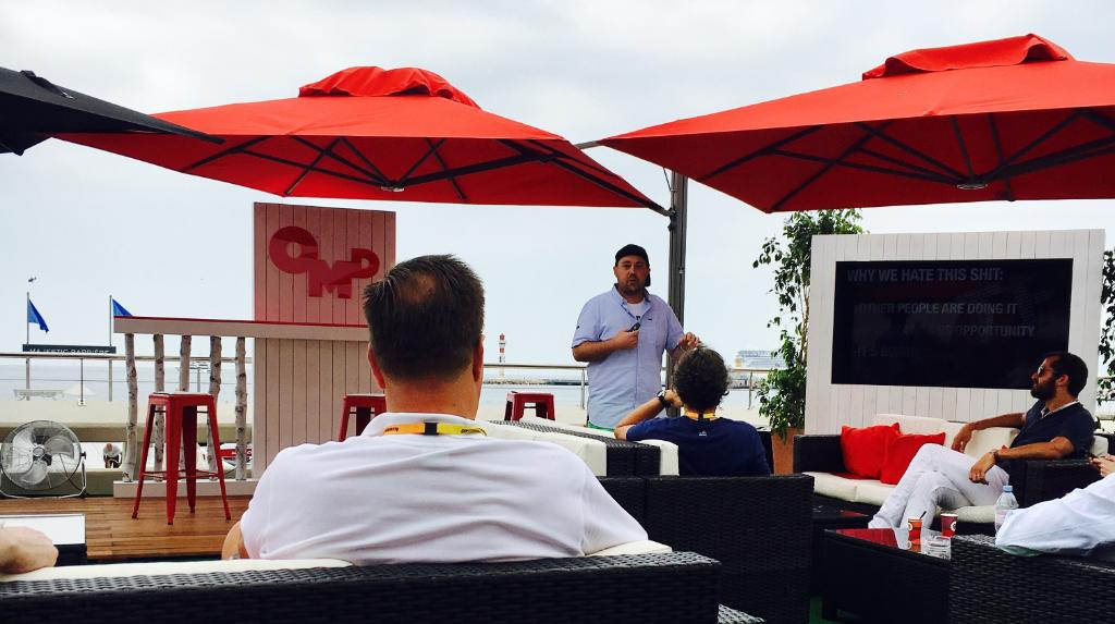 RT @OMD_Worldwide: Listening @bakeslambert talk about 'Bionic Creatives' at the #OMDOasis #CannesLions @TBWA https://t.co/KCsHcRZllg