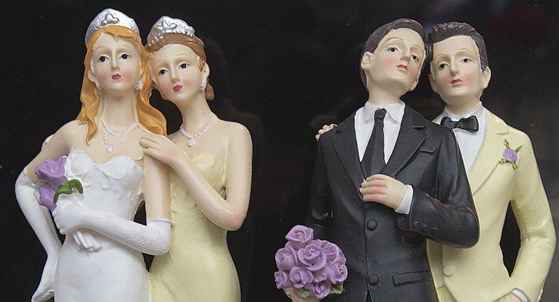Mehrheit für Ehe-Öffnung in allen Altersgruppen https://t.co/1StfwYmgl...