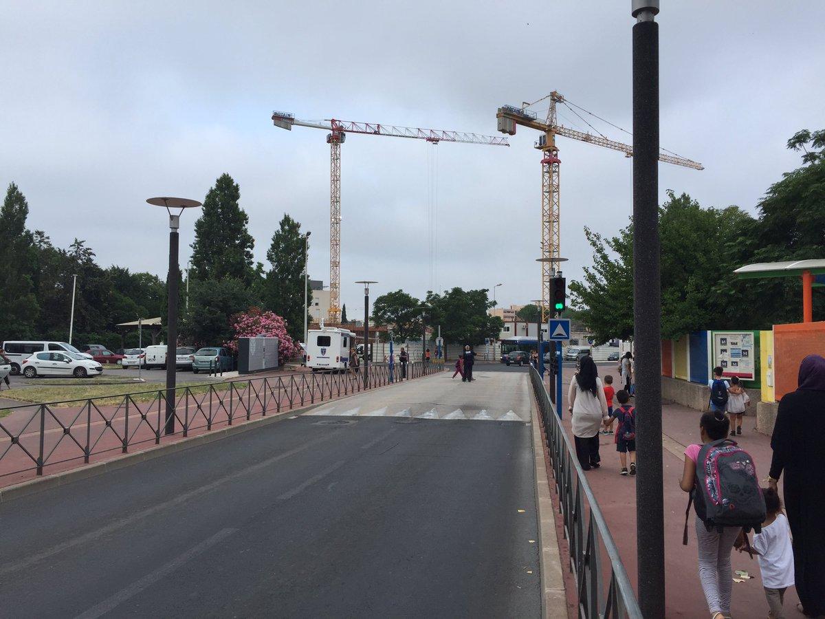 Aujourd'hui, le poste de commandement mobile de la Police municipale est quartier de la Pompignane. #Montpellier #demandes #doléances #infos pic.twitter.com/S9mYNVphCX