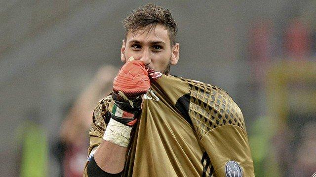 A renovação de contrato de Donnarumma com o Milan está muito perto de acontecer. O jogador já informou o Raiola que vai ficar. [Gazzetta]