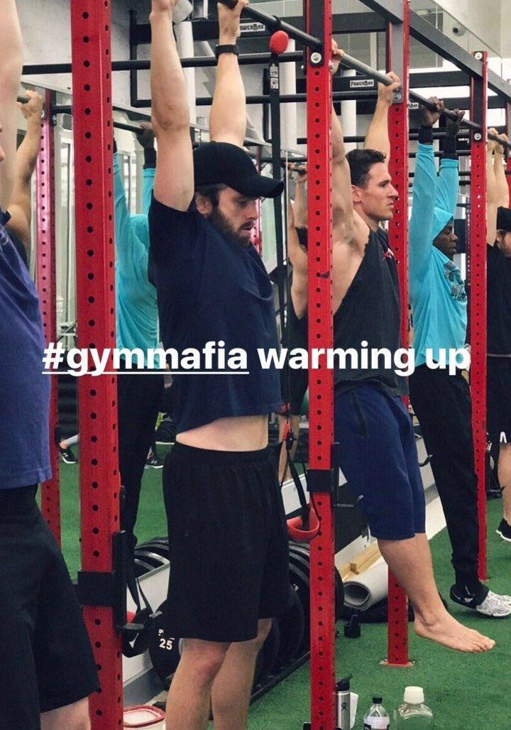 Warming up #SebastianStan #gymmafia<br>http://pic.twitter.com/U1ll7EVvvV