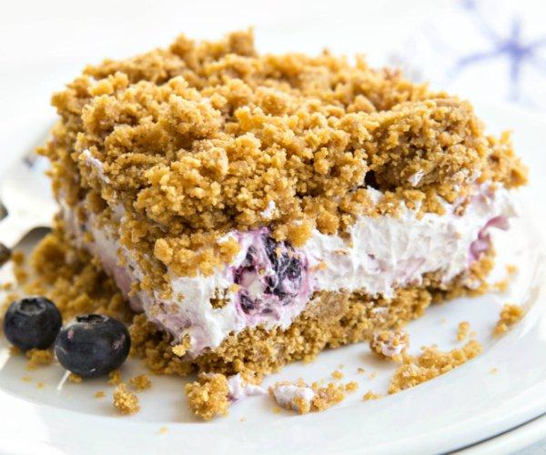 2 Amazing No-Bake Berry Cake Recipes