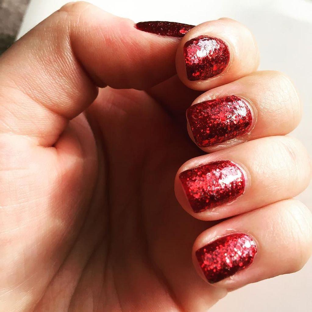 Happy Glamorous Birthday to me! #birthday #happybirthday #happybirthdaytome #nails #nailart #ciate #red #glamour #…  http:// ift.tt/2rDgu37  &nbsp;  <br>http://pic.twitter.com/4ZP2f0l3Nb