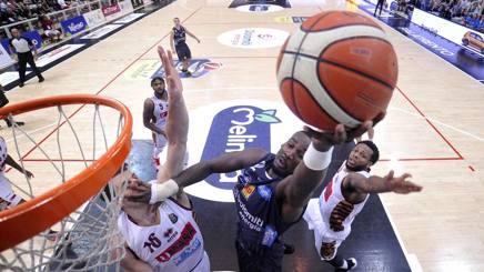 Finale Scudetto Basket: Trento-Venezia 2-2, domenica si gioca al Taliercio di Mestre