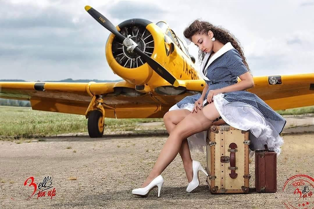 nude girls classic airplanes