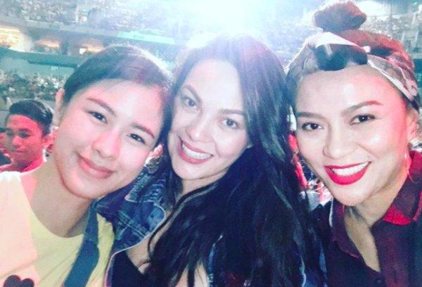 LOOK: Celebrities came en masse to Britney Spears' concert in Manila https://t.co/tjHWRViIKM