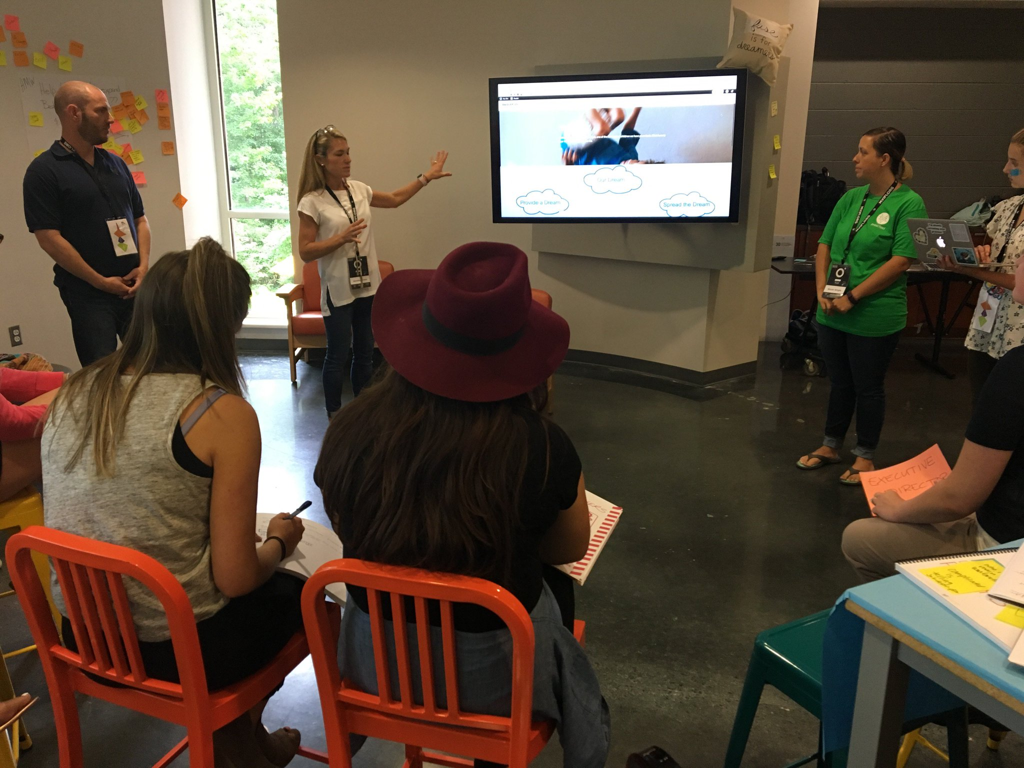 School work that matters now to design a better world! #fuse17 participants pitch iterated prototypes to @PlywoodPeople partners to use! https://t.co/P4FJd9qZky