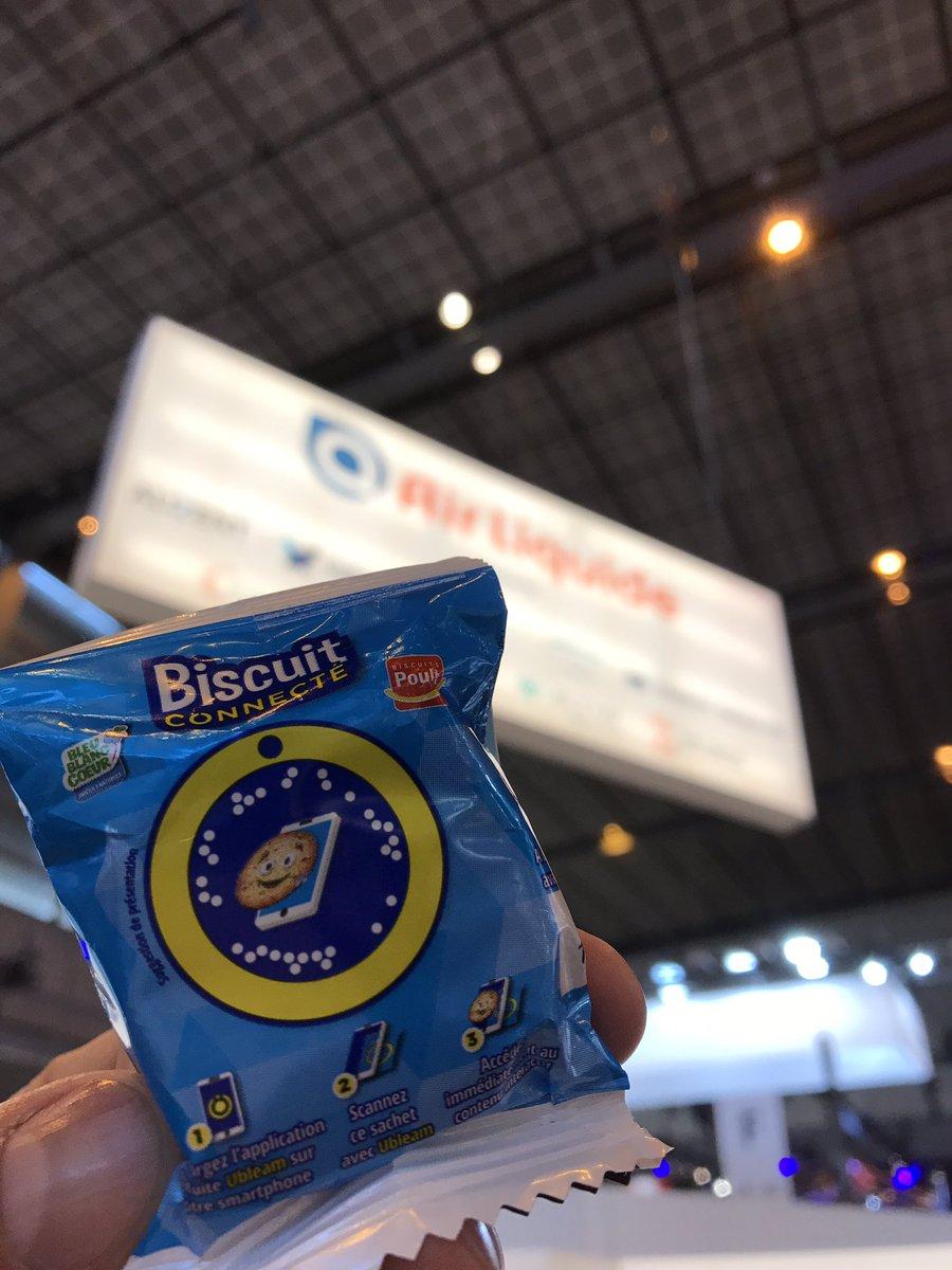 Le biscuit connecté présent à paris au salon @VivaTech cc @cliniquepasteur @BleuBlancCoeur #RealiteAugmentee #santeconnectee