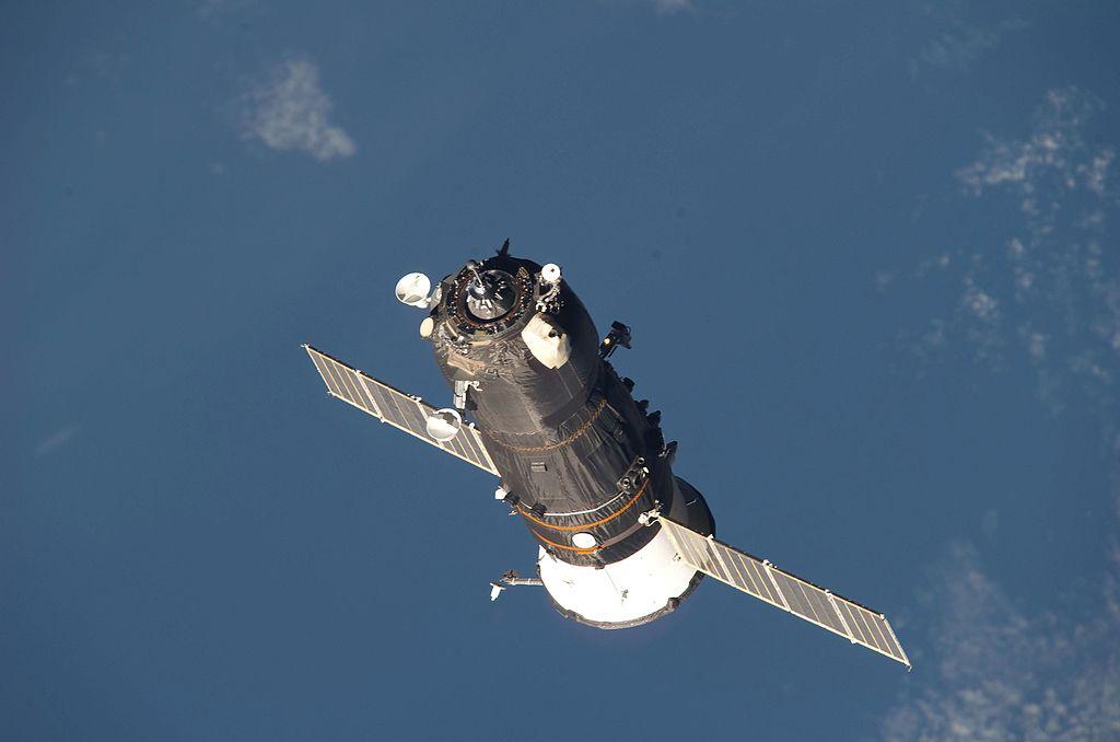 International space station celebrates 15 years in orbit перевод текста - 37607
