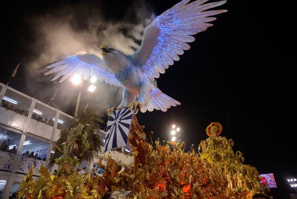 Liesa suspende desfile de escolas de samba no Rio em 2018 após corte de recursos. https://t.co/da3rGCVuld 📷 Fernando Frazão/Arquivo/Agr