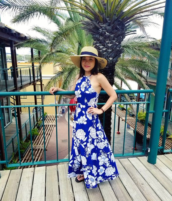 La Vie en May: OOTD: Floral Island Dream