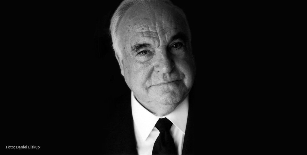 Helmut Kohl was a political giant, a European visionary and true statesman. United Germany and shaped the EU of today https://t.co/kbJrXfsWag