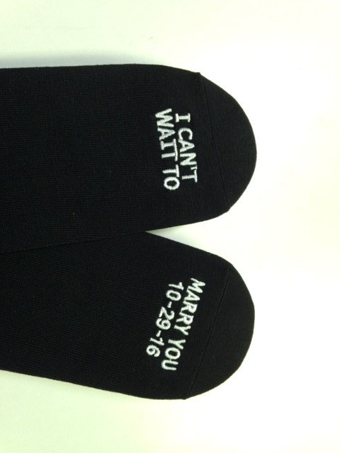 Grooms Socks &quot;I Can&#39;t Wait To Marry You&quot; With CUSTOM DATE  Cute Gift for Weddi…  http:// tuppu.net/f155e9b1  &nbsp;   #Etsy #Socks <br>http://pic.twitter.com/6aqxKCL6d5