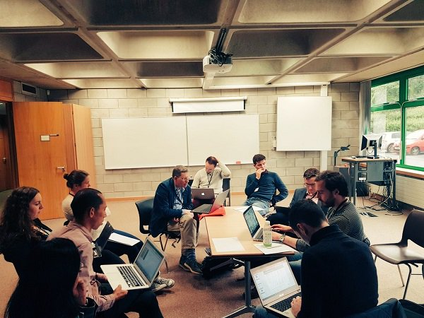 Pics from this weeks #ESGI128 European Study Group With Industry @MACSIMaths @UL_Research #ThinkBigAtUL  More here  http:// goo.gl/P47Yi1  &nbsp;  <br>http://pic.twitter.com/Wp9kkrDudO