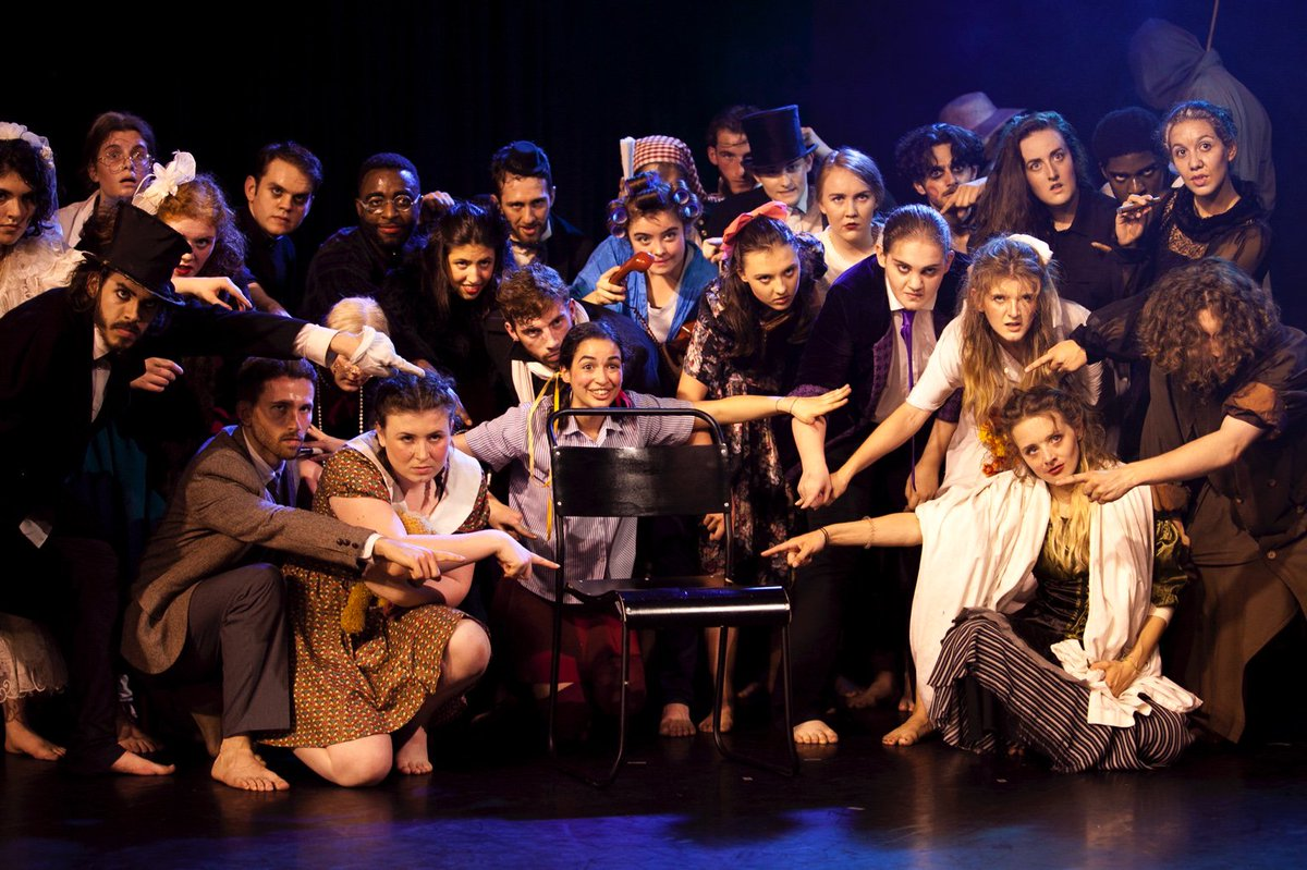 #TheWomanonthechair Whoop! Look at this lovely lot! #dramaschool #Talent #Ensemble <br>http://pic.twitter.com/a5o7Jkmjus