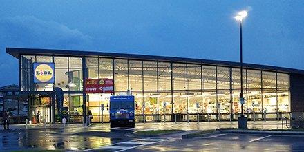 #Lidl opens first U.S. stores as new era in food retail begins @SN_Springer https://t.co/SMlzvtClRW via @SN_news https://t.co/EtM3FgJey3