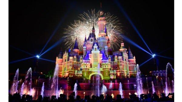 Shanghai Disney Resort Celebrates One Year Anniversary #disneyside #DIYDisneyDays<br>http://pic.twitter.com/M3KD9N9zEd