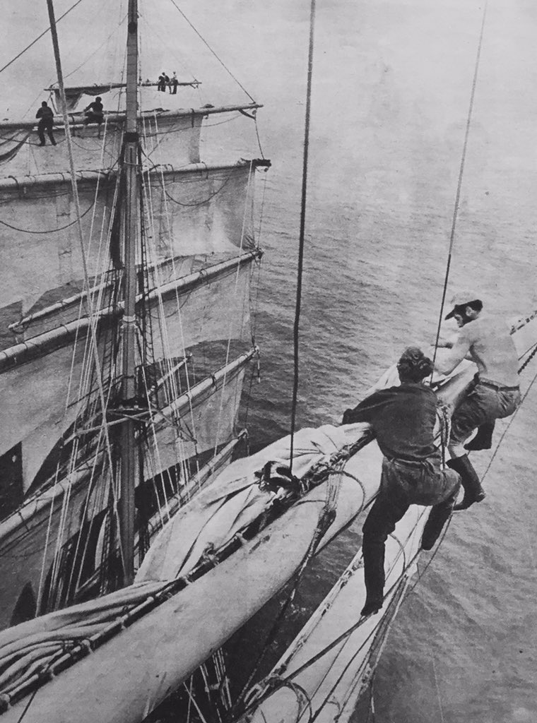 """@vintagepixuk @KilwarrenJohn @deedeesadler @DottyVintage1 """"We wanted to watch the show, only tickets left in the balcony they said,didn't say we'd have to hang on the bowsprit for dear life!!"""" https://t.co/RxRJL9nqhc"""