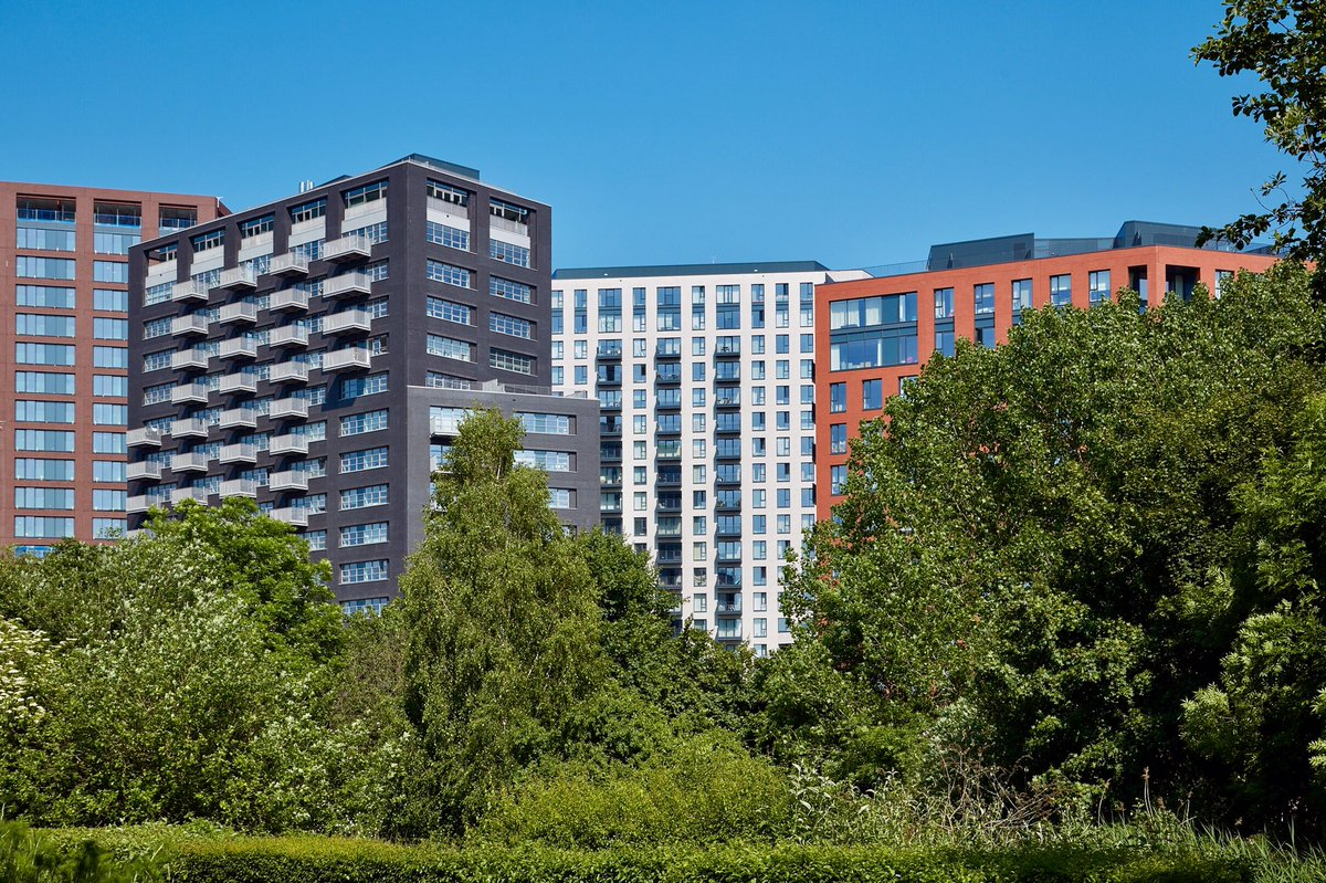 London City Island by @glenn_howells looking great in the sun! #LCI #LondonCityIsland #Architecture @ballymore<br>http://pic.twitter.com/1zBcq2cJtl