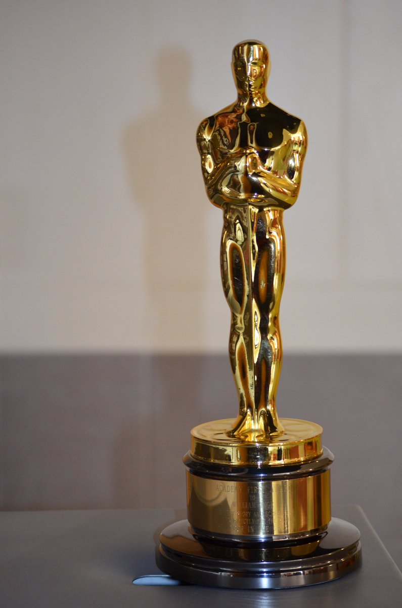 ✍ @coryhardrict I'm gonna put this out in the atmosphere! YOU WILL GET AN @TheAcademy in your HANDS!! https://t.co/j87kyXgT8t