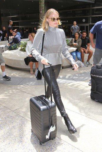 ãaway suitcase celeãã®ç»åæ¤ç´¢çµæ