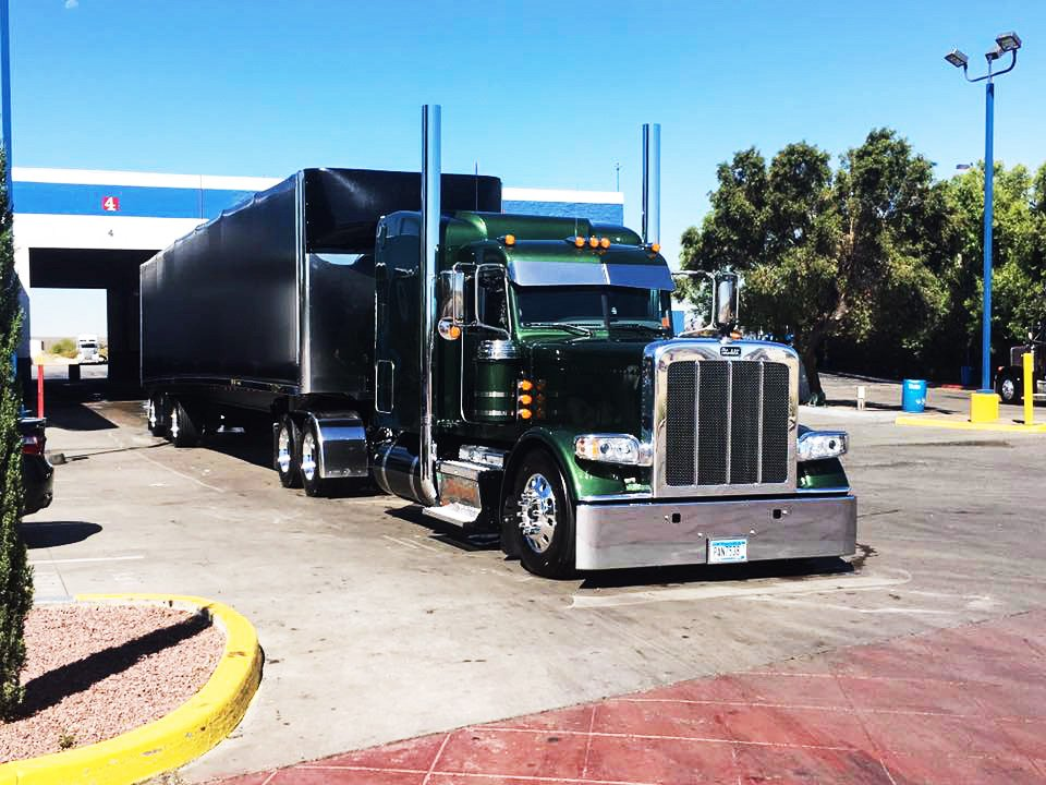 Owner Operator Matt Olson all shined up! #CleanTrucksRunBetter