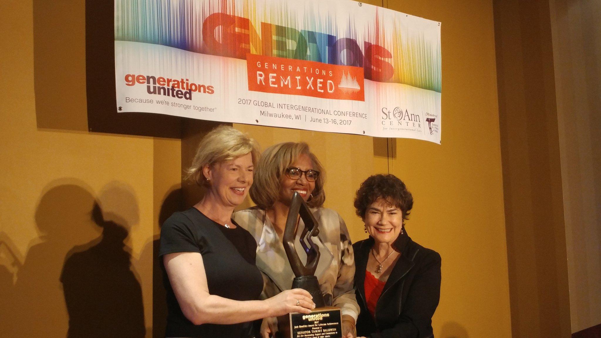 .@Vol_of_America's @Ms_Nonprofit & Donna present @SenatorBaldwin w/ the Jack Ossofsky Award! #Gensunited17 #ageamped https://t.co/ahtud6kNDH