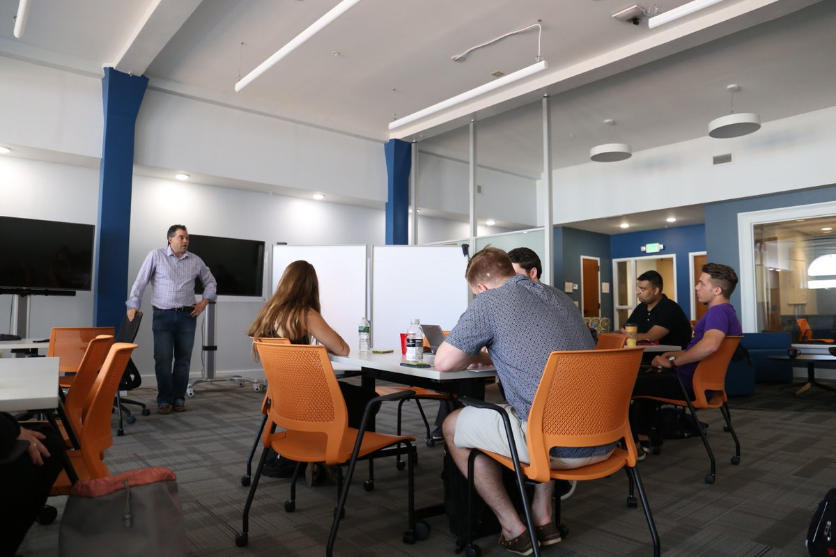 So many mentors, so little time! This week we focused on investors and what to keep in mind when you are seeking investment #accelerator <br>http://pic.twitter.com/ANaChCsPPQ