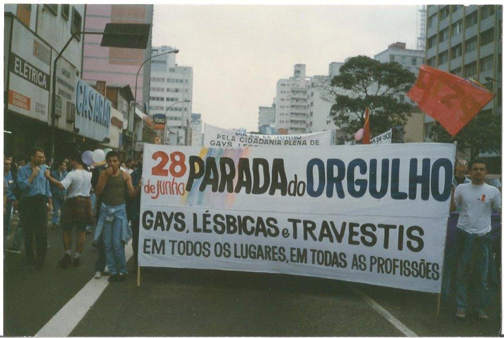 Nascia naquele sábado, 28 de junho de 1997, a primeira parada LGBT de São Paulo.