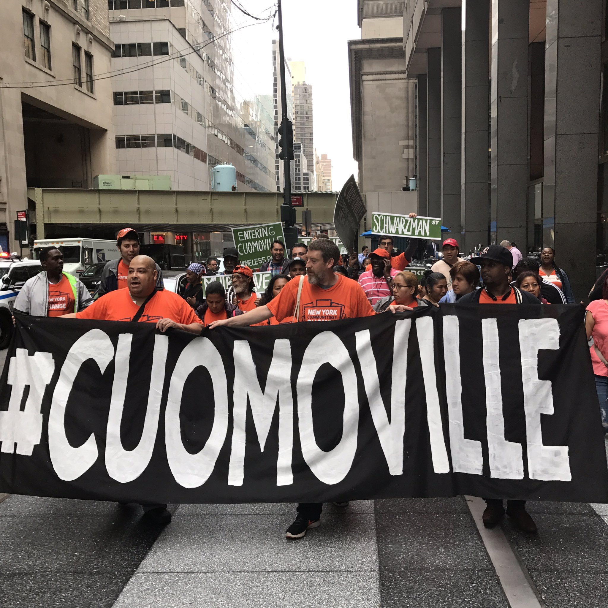 Tax the rich and house the poor!! #Cuomoville #TenantsRising https://t.co/7i1AInRmSr