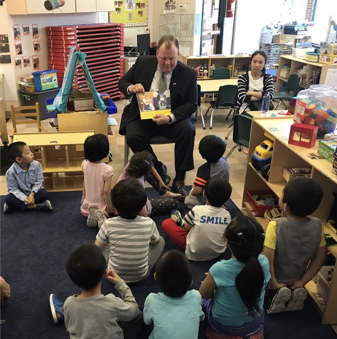 test Twitter Media - Big thank you to Alderman Osterman and Alderman Thompson for visiting our early learning programs in Edgewater and Bridgeport! https://t.co/nOkqq99SiY